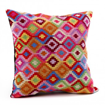 Embroidered Cushion Cover - Large Hejab Pattern